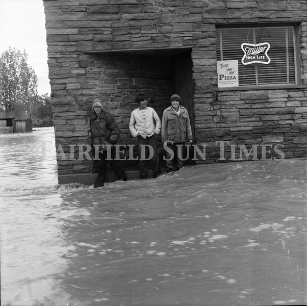 FF Sun Times 1975 Augusta and Sun RIver Flooding_20151112_0043