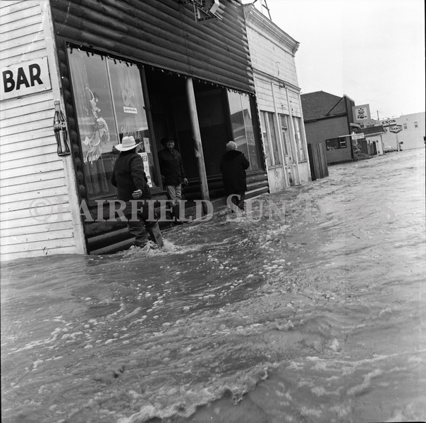 FF Sun Times 1975 Augusta and Sun RIver Flooding_20151112_0042