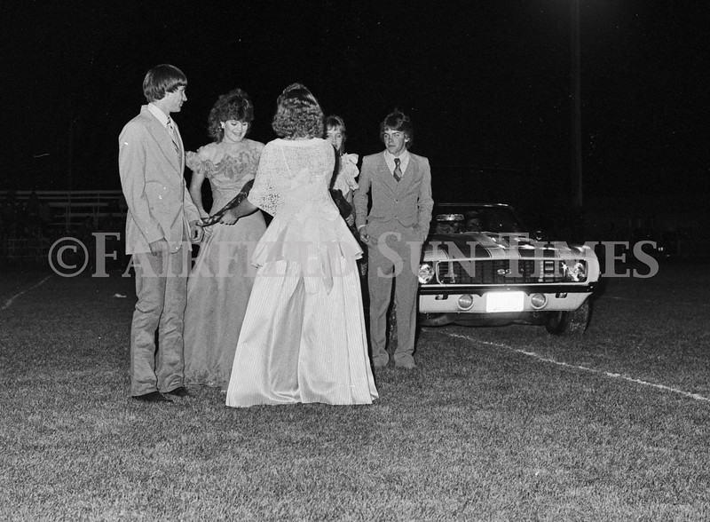 1975 10 09 FFT41 Homecoming Royalty and Parade (26)