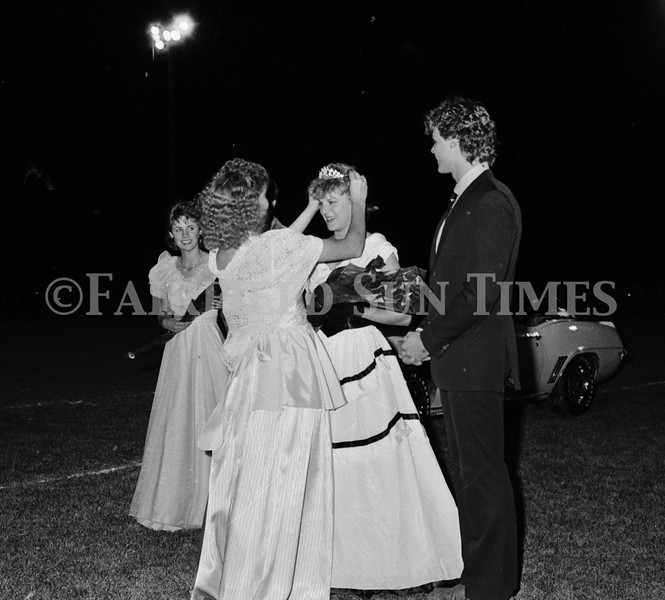 1975 10 09 FFT41 Homecoming Royalty and Parade (29)