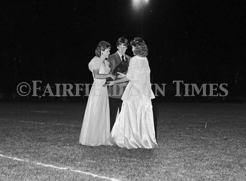 1975 10 09 FFT41 Homecoming Royalty and Parade (27)