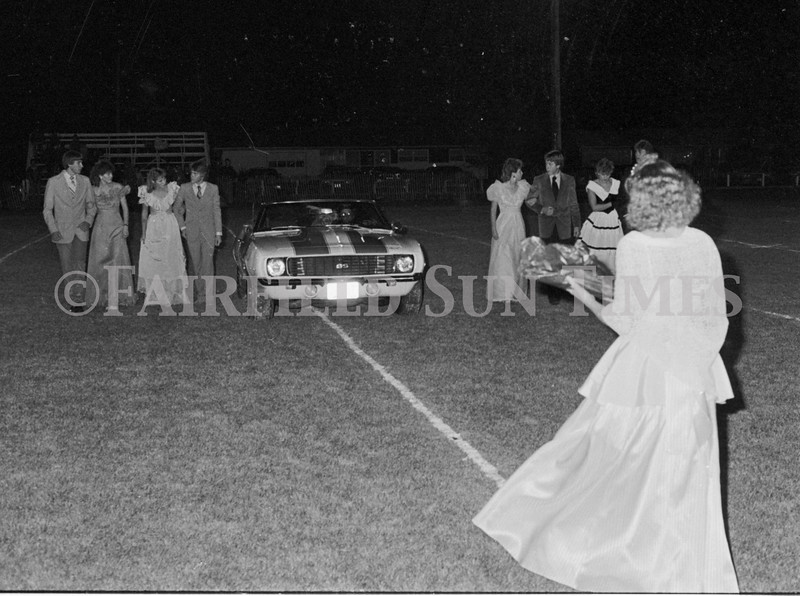1975 10 09 FFT41 Homecoming Royalty and Parade (24)