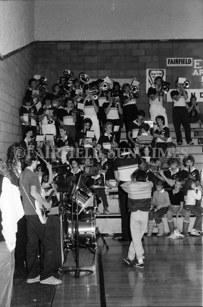 1985 11 14 FF Sun Times Dist 6 Girls BB tourney Eages v Chesgter, Choteau, Simms_20160820_0152