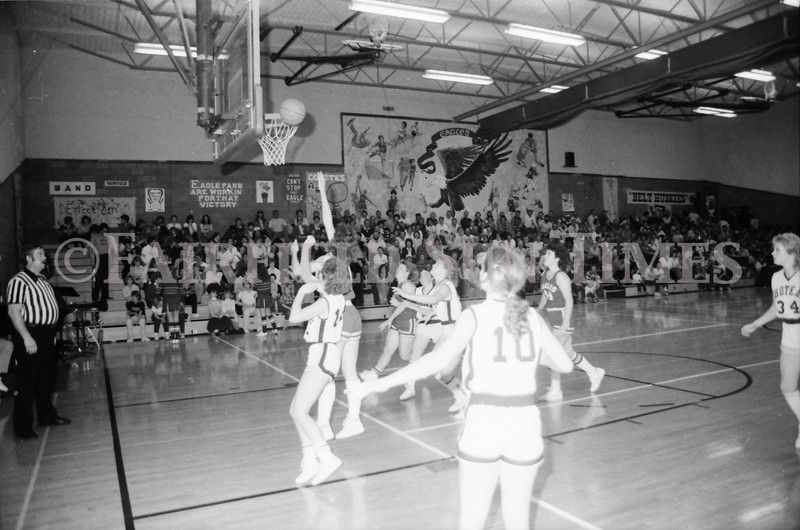 1985 11 14 FF Sun Times Dist 6 Girls BB tourney Eages v Chesgter, Choteau, Simms_20160820_0160