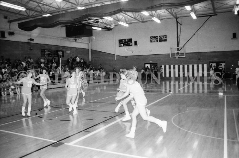 1985 11 14 FF Sun Times Dist 6 Girls BB tourney Eages v Chesgter, Choteau, Simms_20160820_0180