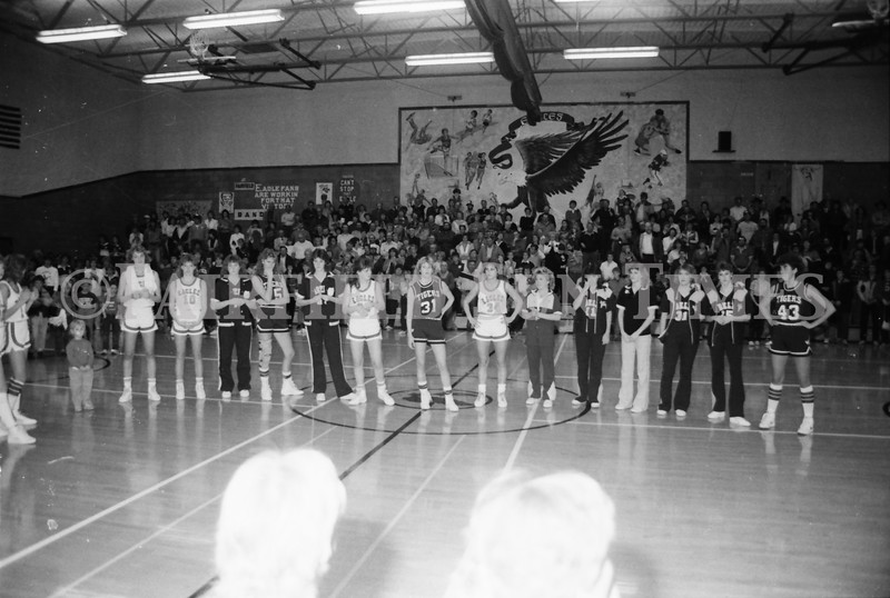 1985 11 14 FF Sun Times Dist 6 Girls BB tourney Eages v Chesgter, Choteau, Simms_20160820_0161