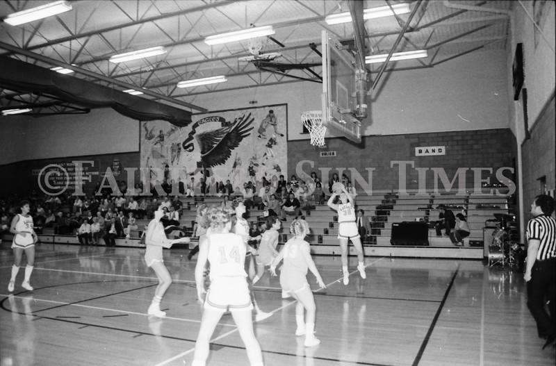 1985 11 14 FF Sun Times Dist 6 Girls BB tourney Eages v Chesgter, Choteau, Simms_20160820_0168