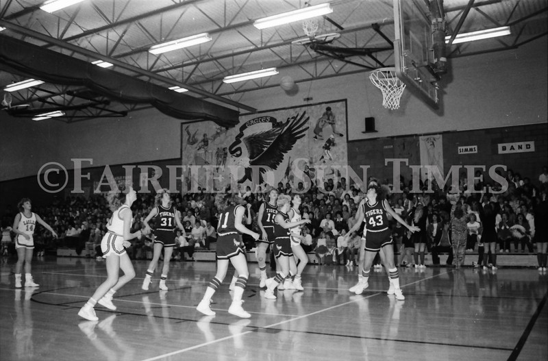 1985 11 14 FF Sun Times Dist 6 Girls BB tourney Eages v Chesgter, Choteau, Simms_20160820_0147
