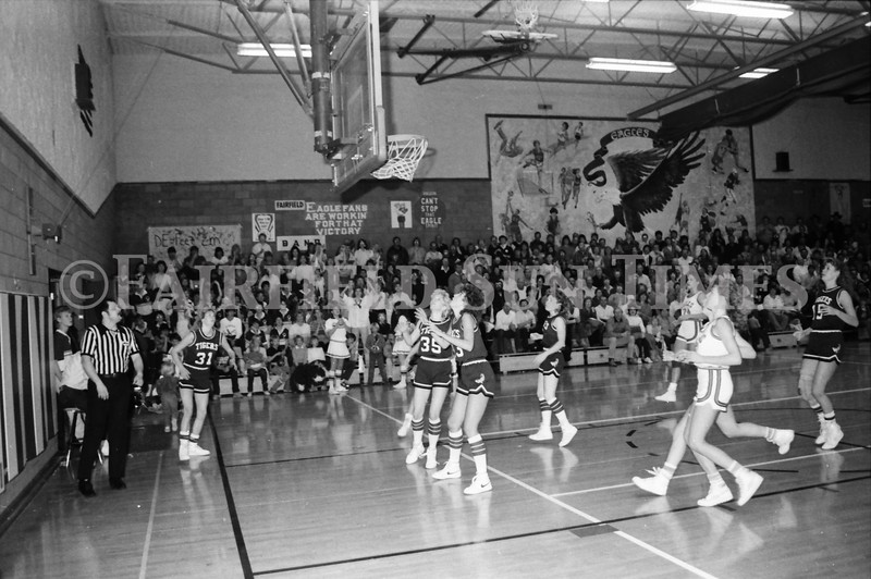 1985 11 14 FF Sun Times Dist 6 Girls BB tourney Eages v Chesgter, Choteau, Simms_20160820_0188