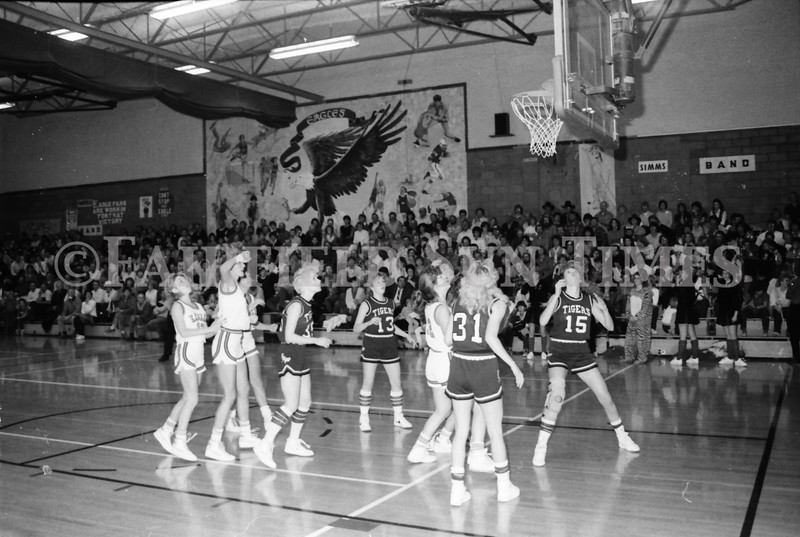 1985 11 14 FF Sun Times Dist 6 Girls BB tourney Eages v Chesgter, Choteau, Simms_20160820_0151