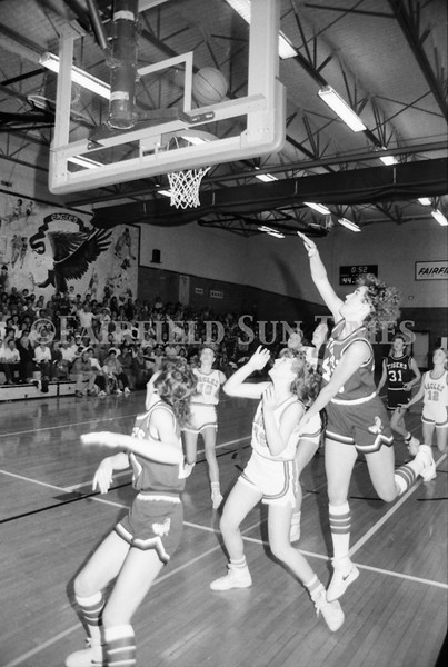1985 11 14 FF Sun Times Dist 6 Girls BB tourney Eages v Chesgter, Choteau, Simms_20160820_0174