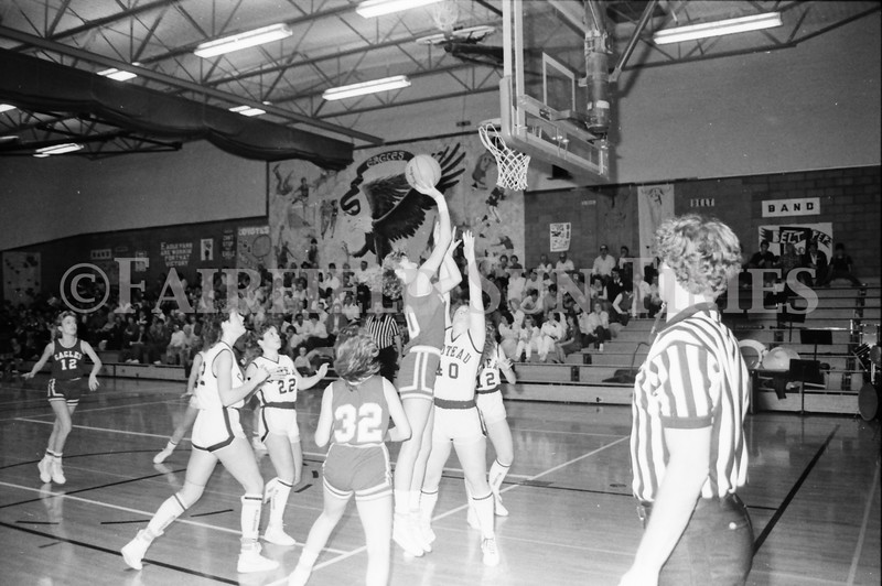 1985 11 14 FF Sun Times Dist 6 Girls BB tourney Eages v Chesgter, Choteau, Simms_20160820_0195