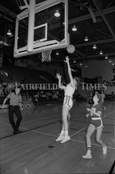 1985 11 20 FFT#47 Girls Northern B Tourney in Shelby, Fairfield vs Simms, Cut Bank_0010