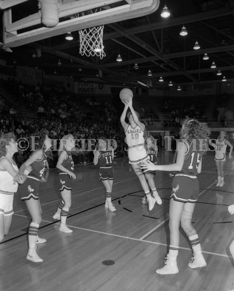 1985 11 20 FFT#47 Girls Northern B Tourney in Shelby, Fairfield vs Simms, Cut Bank_0016