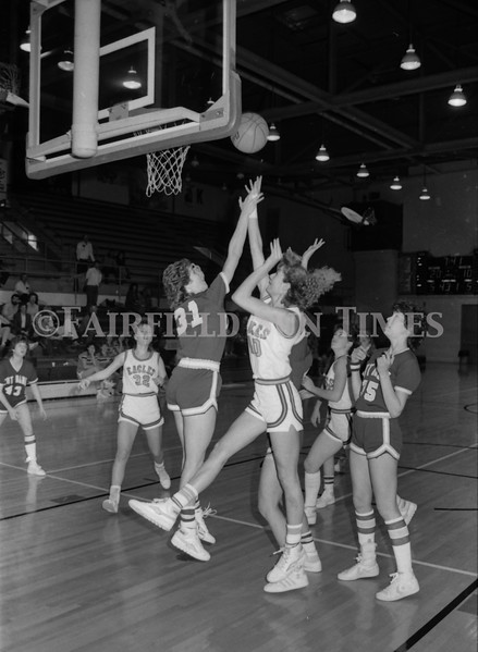 1985 11 20 FFT#47 Girls Northern B Tourney in Shelby, Fairfield vs Simms, Cut Bank_0008