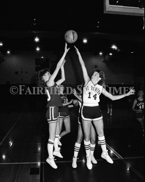 1986 11 26 FFT#48 Fairfield Girls Basketball vs Ft Benton District Tourney_0018