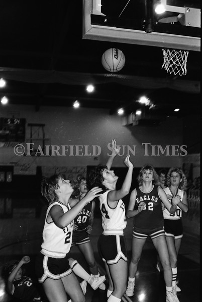 1986 11 26 FFT#48 Fairfield Girls Basketball vs Ft Benton District Tourney_0013