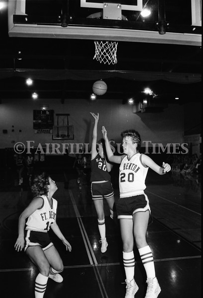 1986 11 26 FFT#48 Fairfield Girls Basketball vs Ft Benton District Tourney_0009