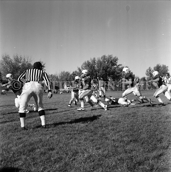 FF Sun Times Fairfield at Simms Football October 1, 1973_20151113_0029