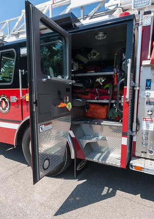Basil Jnt Fire District L-610 2002 E-One 75' 1500-500 d