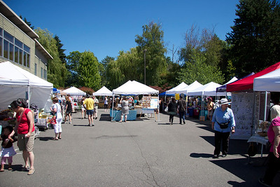 Lake Forest Park Crafts Fair & Farmer's market