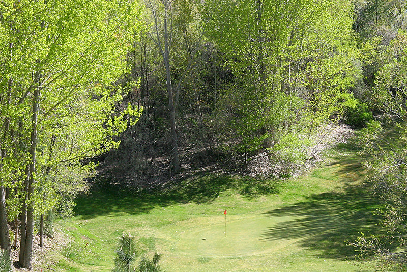 12th Tee- The Cliff
