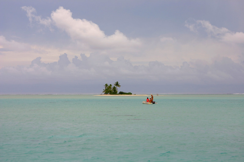 While on our way towards the South Pass, this European couple stopped us and asked how to get to the Pink Sands. Junior suggested they follow us and then directed them in an opposite direction once we drew closer to the motu. Here there are headed towards their own island paradise.