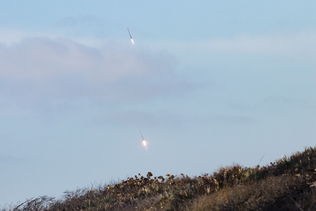 IMAGE: https://photos.smugmug.com/Falcon-Heavy-Launch/i-BFPR39S/0/5f0f1066/XL/SpaceX%2002062018-7904-XL.jpg