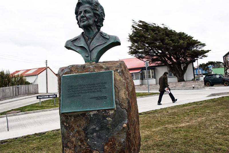 La statue de Margaret Thatcher dans le centre de Port Stanley/East Falkland/ Iles Falkland (Iles Malouines)