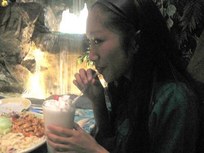 .Clean.Family.Dinner.Rainforest.Cafe.10.6.07.
