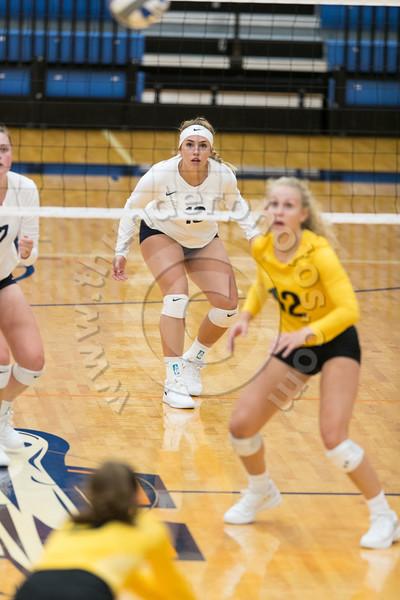 Wheaton College Volleyball vs UW OshKosh (25-21, 25-12, 25-18)