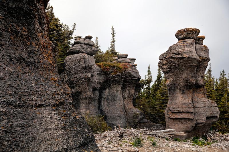 Lady Niapiskau monolith, Ile Niapiskau