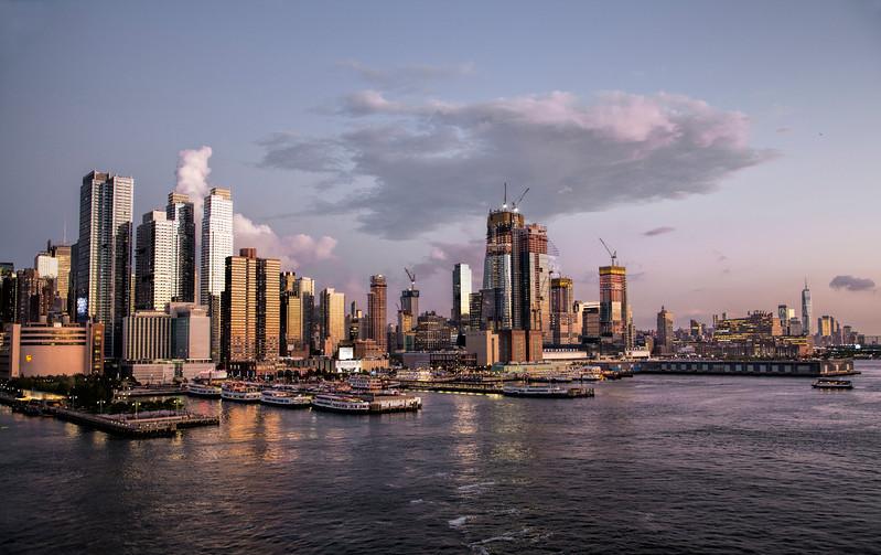 Manhattan Skyline, from the Hudson