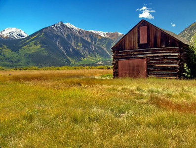 Old log barn on the road to Independence Pass from Twin Lakes.