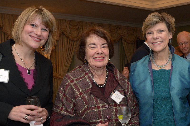 NEHGS Councilor Bonnie Reilly, Cokie Roberts and guest