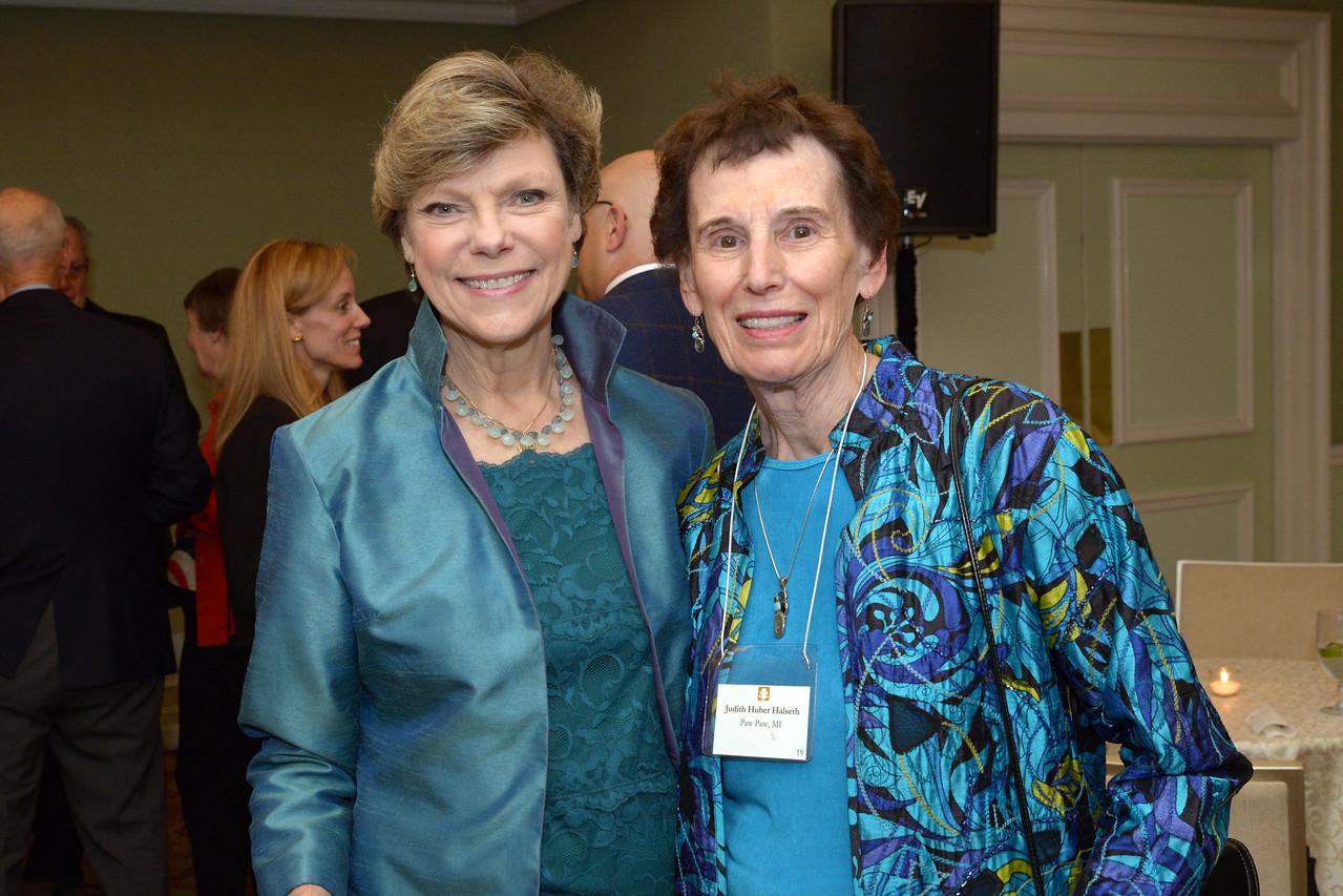 NEHGS Trustee Emerita Judy Halseth and Cokie Roberts