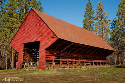 "Harry Horr ""self feeder barn"". Built around 1935-1940."