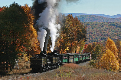 Shay's #4 and #11 pull the sold-out Bald Knob train through upper Gum field.