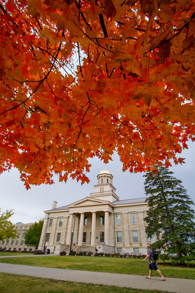 campus_fall_old cap_stu_2015_9694