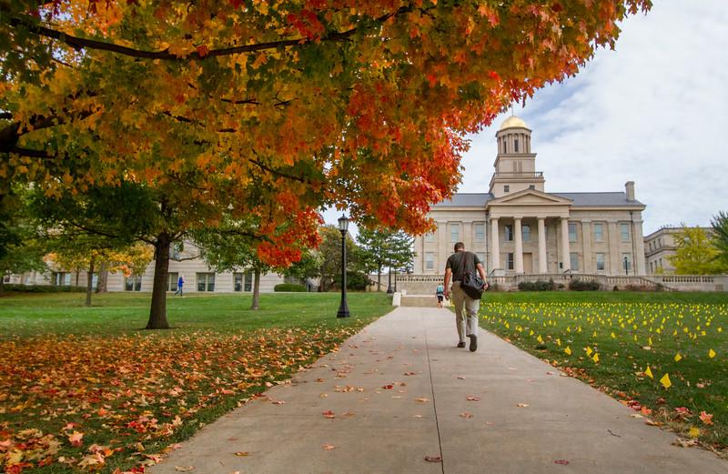 campus_fall_old cap_stu_2015_0032