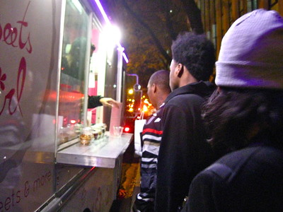 Night snackin' at the Sweets Girl cupcake truck, downtown Chicago, Ill., October 2015.