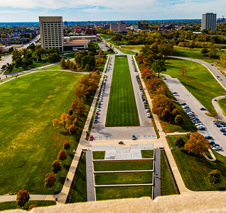 Fall in the city. World War One memorial. Kansas city. World war 1 museum. Monument. Aerial view of the mall.