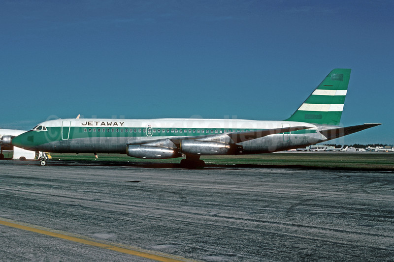 Jetaway Air Travel (Travel Club) Convair 880-22M-3 N48058 (msn 22-00-43M) (Cathay Pacific colors) MIA (Bruce Drum). Image: 103726.