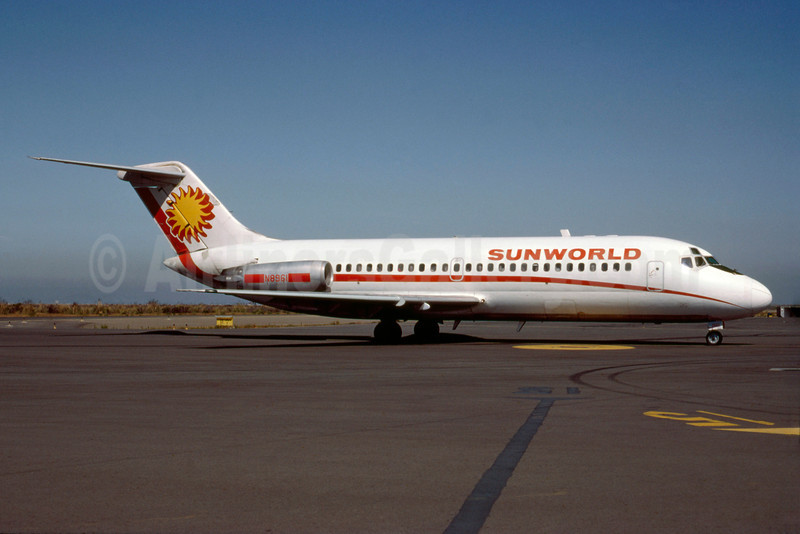 Sunworld International Airways (1st) Douglas DC-9-14 N8961 (msn 45842) OAK (Bruce Drum). Image: 103288.