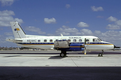 Aeromech Airlines Embraer EMB-110P2 Bandeirante N614KC (msn 110224) MIA (Bruce Drum). Image: 105385.