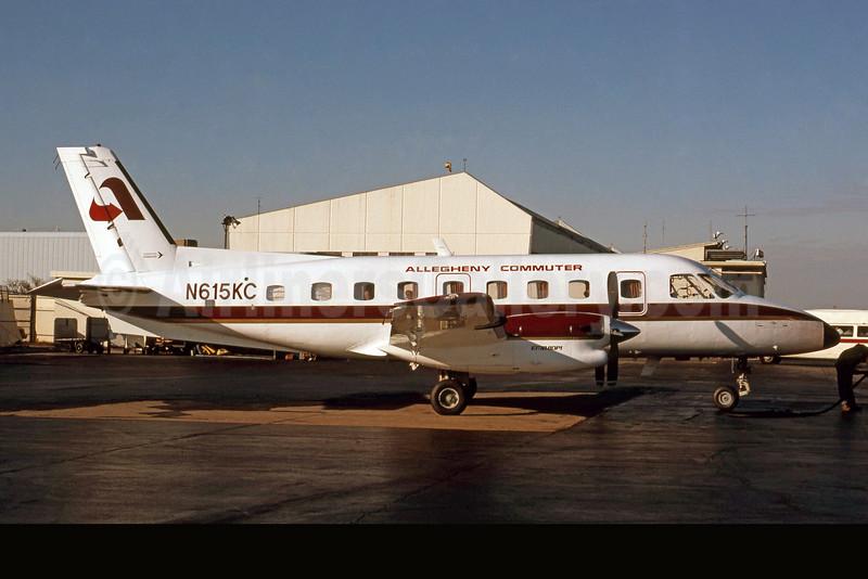Allegheny Commuter-Aeromech Airlines Embraer EMB-110P1 Bandeirante N615KC (msn 110230) DCA (Jay Selman). Image: 400399.