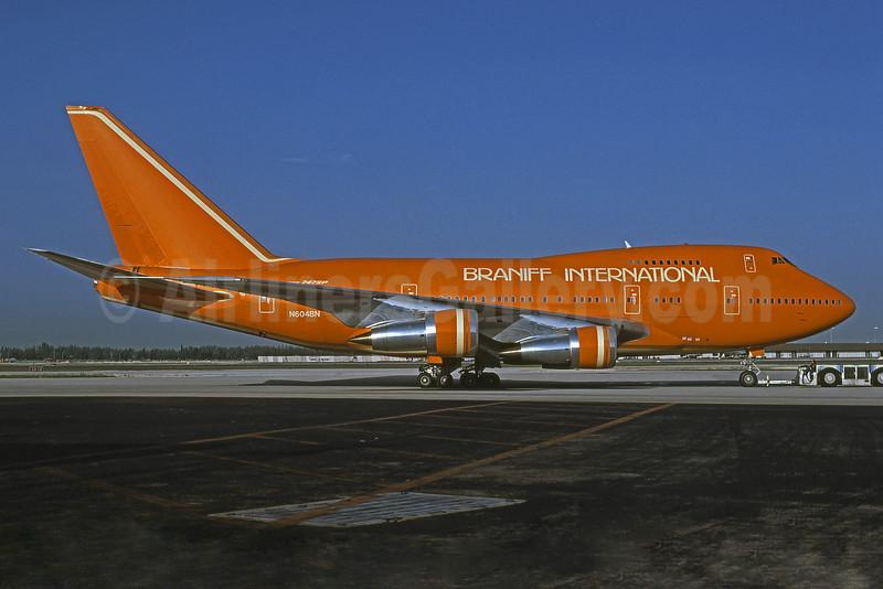 Braniff International Airways (1st) Boeing 747SP-27 N604BN (msn 21786) MIA (Bruce Drum). Image: 101468.