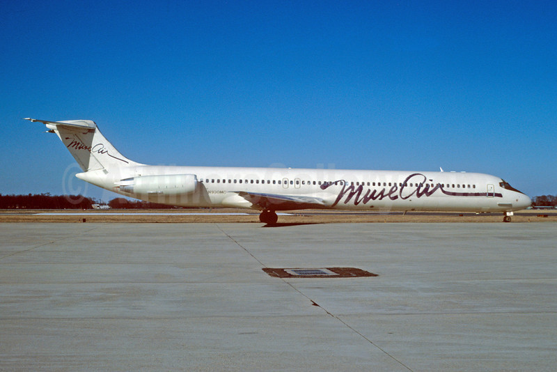 Muse Air McDonnell Douglas DC-9-82 (MD-82) N930MC (msn 48056) MSY (Keith Armes). Image: 907391.