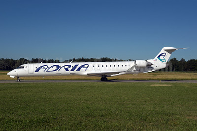 Adria Airways Bombardier CRJ900 (CL-600-2D24) S5-AFA (msn 15057) ZRH (Rolf Wallner). Image: 946846.
