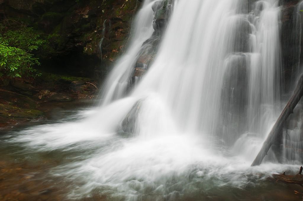 Falls on Raven Cliffs Trail